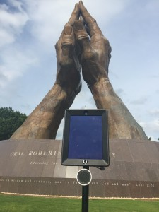 robot by ORU statue