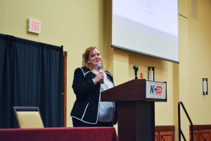 Anna Vakulick addresses the summit