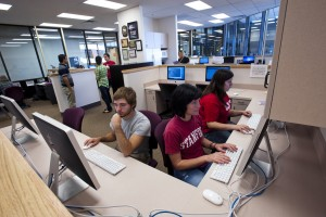 Students work at computer lab